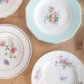 Plato hondo Vintage con flores