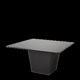 Mesa Alt. 75 cm Cono negra con sobre negro 140 x 140 cm